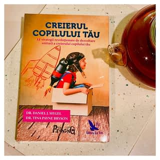 Dacă ești părinte sau te pregătești să ai un copil, citirea acestei cărți este obligatorie.  __________________________ Comandă cartea acum pe www.romanianbooksusa.com iar noi o vom livra rapid 🚛🚚 oriunde în SUA 🇺🇸 sau Canada 🇨🇦  #parentingbook #cititoriinserie #cititoripasionați #romanianbooksusa #cartiromanesti #librarieromaneascaonline #romanianbooks #buybooksfromhome #buybooks #citesteocarte #buyromanian #buybooksonline #citesteromaneste #decitit